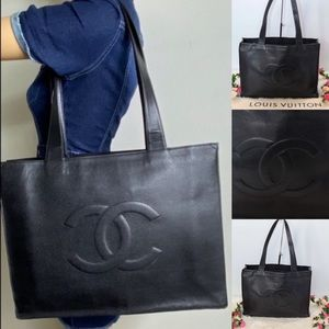 💎✨Authentic✨💎CHANEL Black Caviar Skin Tote Bag